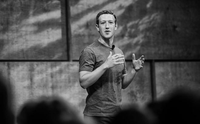 Sau thông báo sẽ thay đổi thuật toán của Facebook để giảm các bài quảng cáo, tăng hiển thị cập nhật từ bạn bè trên bảng tin của người dùng, tài sản của ông chủ Mark Zuckerberg lập tức bay hơi hơn 3,3 tỷ USD vào giữa tháng 1/2018.