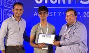 Bỏ học giữa chừng, 3 bạn trẻ sáng lập startup nghìn đô về sức khỏe