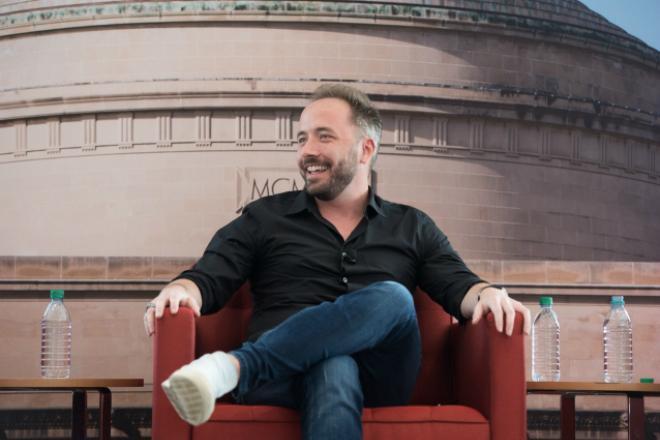 CEO của Dropbox trong buổi chia sẻ kinh nghiệm với sinh viên MIT. Ảnh: MIT
