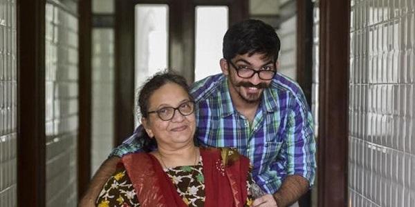 Munaf luôn bày tỏ sự biết ơn tới mẹ.