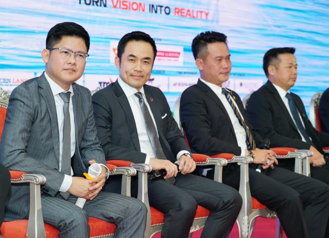 Bốn nhà đầu tư mới của Shark Tank mùa hai gồm ông Dzung Nguyễn, ông Louis Nguyễn, ông Đặng Hồng Anh và ông Đặng Thanh việt. Ảnh: Shark Tank Việt Nam.