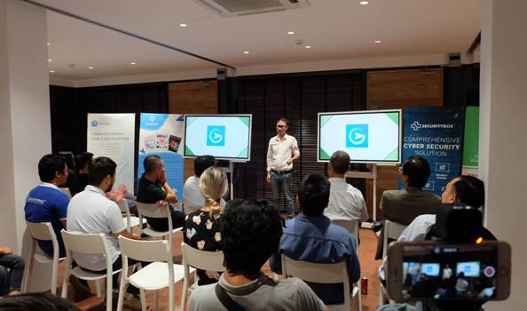Các startup trong chương trình Tăng tốc khởi nghiệp lần lượt thuyết trình trong buổi ra mắt khóa 4.