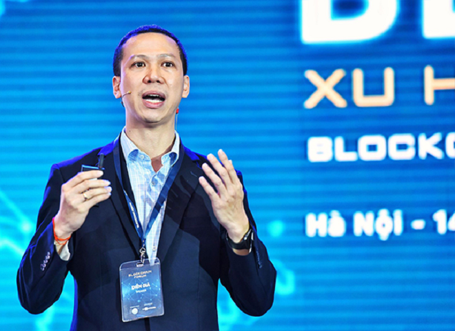 Ông Đỗ Văn Long, Giám đốc vùng của IBL phát biểu trong Diễn đàn Blockchain Việt Nam do Bộ Khoa học và Công nghệ cùng báo điện tử VnExpress tổ chức. Ảnh: VnExpress