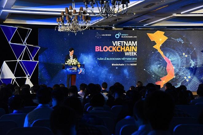 Đại diện IBL phát biểu ở sự kiện Vietnam Blockchain Week.