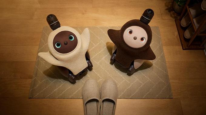 Biểu hiện cảm xúc và đòi được ôm như một đứa trẻ, những chú robot này đang được nghiên cứu về khả năng hỗ trợ nhu cầu tình cảm cho người già cô độc.