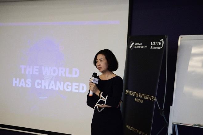 Ths Thạch Lê Anh – Chủ nhiệm đề án Việt Nam Silicon Valley chia sẻ với các startups trong buổi Orienration