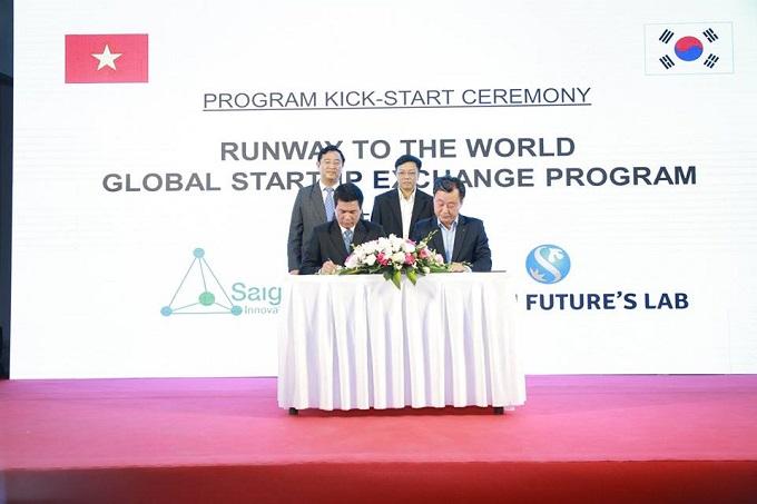 Saigon Innovation Hub đã ký kết MOU hợp tác Chương trình Runway To The World cùng 4 đối tác bao gồm: