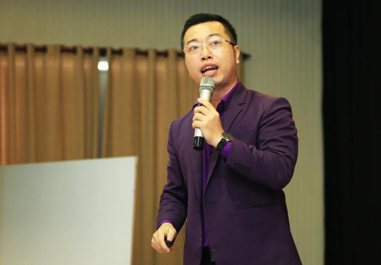 Ông Nguyễn Minh Đức - CEO IM Group phát biểu về dự án giải pháp cung ứng nhân sự marketing và sales cho doanh nghiệp vừa và nhỏ IM Talent.