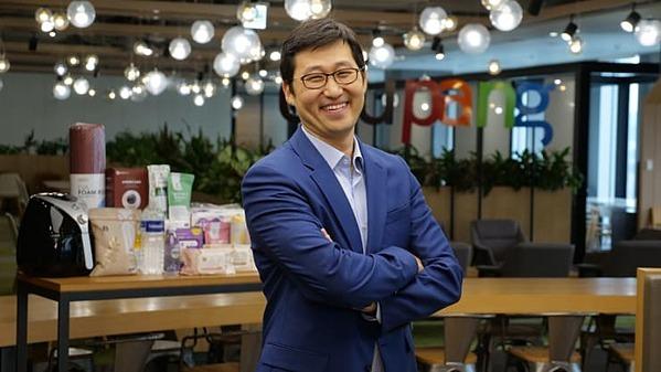 Bom Kim, người sáng lập và CEO của trang thương mại điện tử Coupang. Ảnh: CNBC.