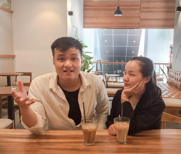 Hoàng Phương và Thuỳ Trang đồng sáng lập The Gift Store.