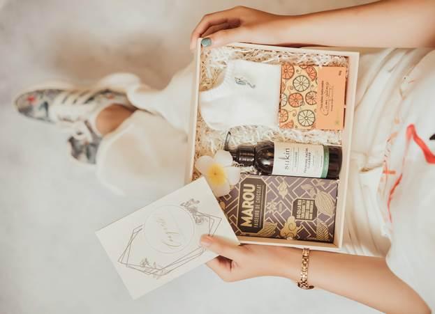 Sukin, Cỏ Mềm và Marou là 3 thương hiệu lớn trong combo The Gift Store.